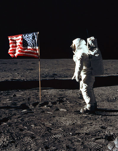 Buzz with flag